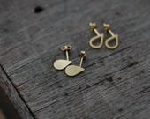 Profile small silver or gold-plated droplette studs earrings