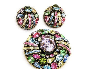 Hollycraft 1955 Round Pastel Brooch and Earring Set