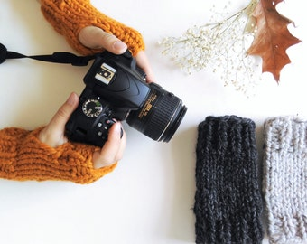 Fingerless Gloves // Knit Hand Warmers // Wrist Warmers // Chunky Fingerless Mittens // Texting Gloves