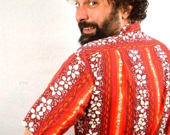 Vintage 1960s Hoaloha Hawaiian Button Up Shirt