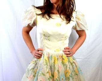 Lovely 1950s 50s WOW Vintage Floral Fun Party Dress