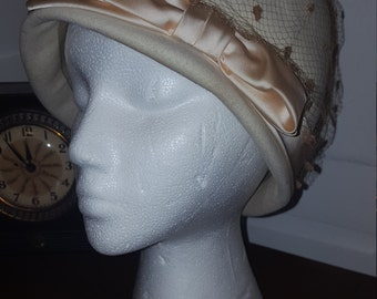 Vintage 1960s Wool Cloche Hat