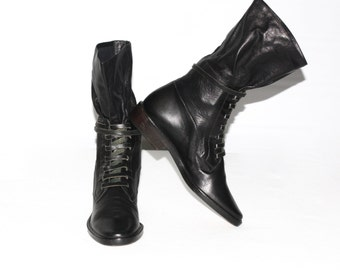 Vintage ANNE KLEIN Black Leather Ankle Combat Boots Laced Strap Buckle 7.5