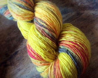 Fire Within - NZ corriedale wool  - single thread handspun shawl yarn 101gr 440m