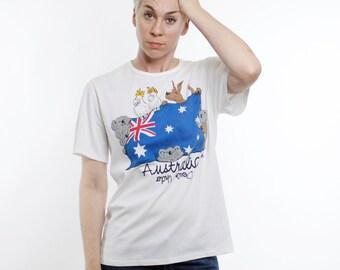 Vintage 80's Australia souvenir t-shirt, adorable animals, Australian flag, koalas, kangaroos - Small / Medium