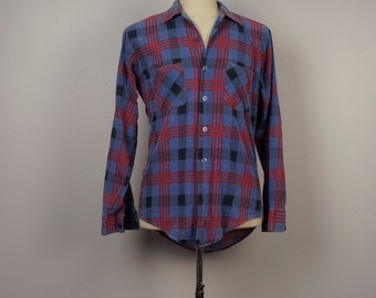 soft worn vintage blue and red Flannel Shirt plaid checked Men 70s vintage Country Squire button up shirt with pockets Medium 42 chest