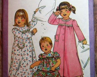 Toddler Girls Nightgown, Pajamas and Robe Size Small 1/2-1 Vintage 1970s Simplicity Pattern 8173 Cut/Complete
