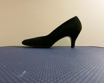 Betty Page heels High heel shoes Pumps black curvy 1950s vintage suede featherlite 10