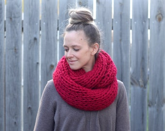 READY TO SHIP- Chunky Knitted Infinity Scarf in Cranberry Red