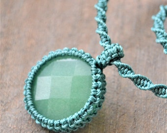 Aventurine Macrame Pendant / Macrame necklace / Green Stone Pendant / Macrame green necklace