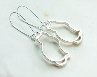 Cat Silhouette Silver Kidney Wire Earrings