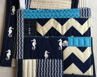 Set of 2 Quilted Pot Holders, Beach Theme Kitchen Decor, Sea Horses and Sand dollars, Insulated Hot Pads, Blue and White Kitchen Trivets