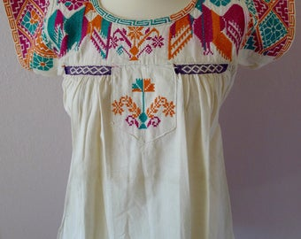 Mexican embroidered VINTAGE blouse Juquila Oaxaca cross stitch eagles flowers boho Frida Kahlo style - Sml -size 6 - 8