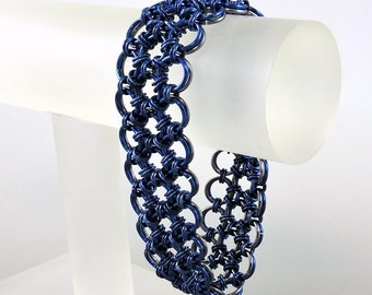 Reversible Chainmaille Bracelet, Dark Blue and Gunmetal Gray Japanese Lace Chainmail Bracelet, Chain Mail Jewelry, Blue Bracelet