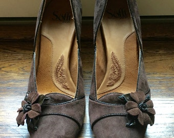 SALE Soft Brown Suede Pump with Rosette Accent 9 1/2M