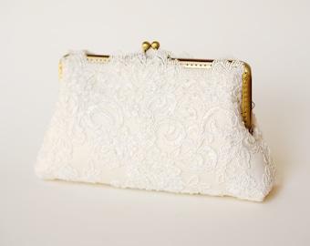 Ivory Capri Clutch / Vintage inspired / Elegant wedding clutch / Wedding Clutch / Bridal  Purse / Lace Clutch