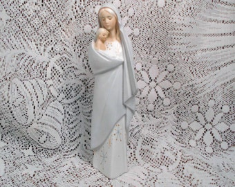 Vintage Porcelain Madonna Mother Mary and Child Jesus Beautiful Pastel