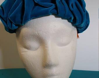 1960s Teal Pleated Velvet  Pillbox Hat w/Combs