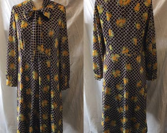 Fun retro brown patterned knit day dress 1960 medium large