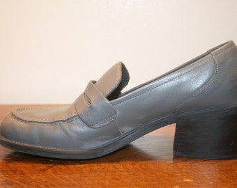 Size 6.5,Penny Loafer,Women size 6.5,womens penny loafers,loafers 6.5,loafer women,6.5 loafers,6.5 shoe,leather loafers,gray leather shoes