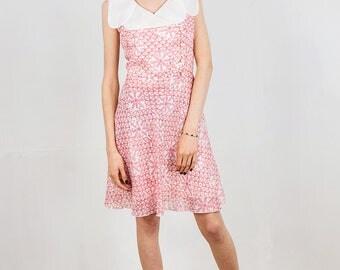 1960s printed  floral dress with petal shaped collar, size medium, mod dress,