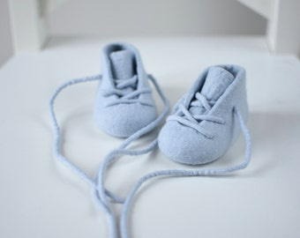Baby boy booties New baby gift Baby reveal gift - Pregnancy announcement - Newborn booties - Light Blue Baby Shoes - Baby Christening