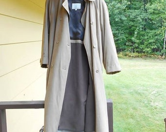 Vintage London Fog Trench Coat , Womens LONG Double Breasted Jacket Zip Out Lining, Size 18 Beige Tan Rain Coat Great Condition!