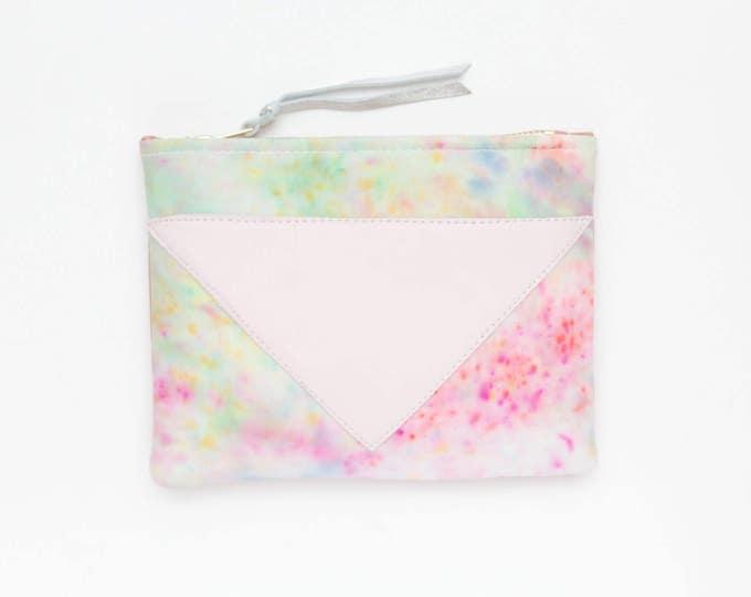Dyed makeup bag. Cotton zipper pouch. Cosmetic pouch. Makeup organizer. Pencil pouch. Travel pouch. Pastel natural leather. /SPLASH 70