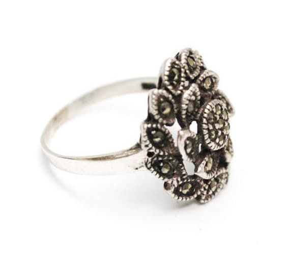 Marcasite sterling Ring -  silver flower -  Art Deco - size 6 ring