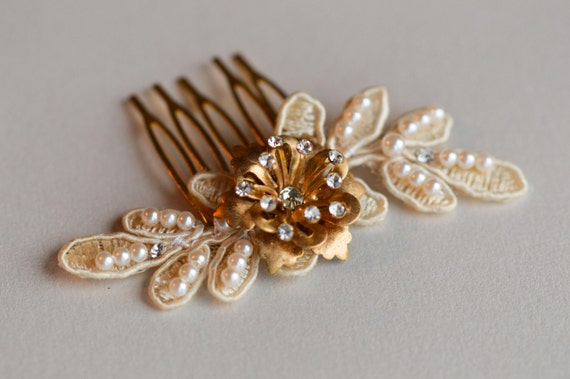 Ivory Lace Hair Comb - Gold Flowers - Bridal Headpiece - Hair Jewelry - Chic Bride - Wedding Hair Combs- Vintage Hair Accessories