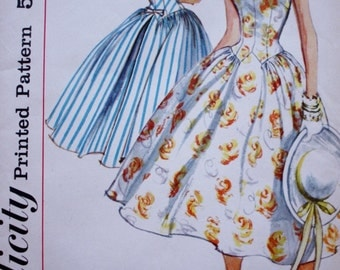 1950s Full Skirted Dress Pattern / Simplicity 1987 / Vintage Sewing Pattern /Bust 31.5
