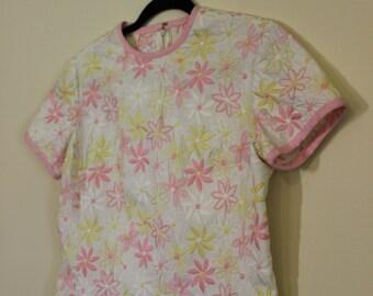 Fantastic Daisy Embroidered Shift Dress ||| 1960s ||| Medium ||| Size 6 ||| Retro Day Dress
