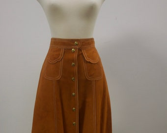 Vintage 1970s Stylish Trendy Button Up Suede Tan Skirt