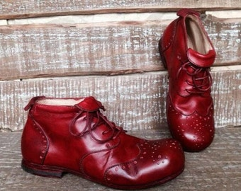 Hand-made leather shoes TULIP
