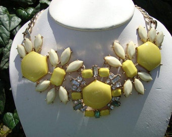 Vintage Yellow Lucite and Rhinestone Statement Necklace - Centerpiece Necklace - 80s Bib Necklace - Lucite Bib Necklace - Yellow Lucite