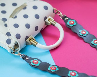 Bag strap / Shoulder strap / Leather bag strap with flowers / Leather strap with hearts