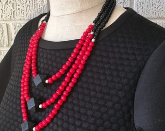 red and black necklace / red necklace / texas tech necklace / black and red jewelry / beaded necklace / statement necklace