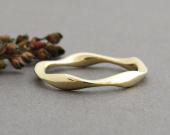 Thin wedding ring, 14k gold wedding band, unique mobius wedding band, mobius wedding ring, wave wedding band, 14k gold ring, delicate ring