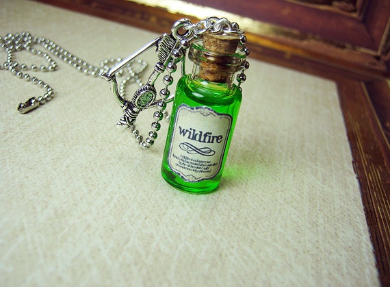 Game of Thrones WILDFIRE 2ml Glass Bottle Necklace Charm - Wild Fire Cork Vial Pendant - Westeros Poison