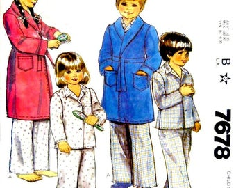 McCall's 7678 Child Sizes 2, 3, 4, 5, 6 Robe and Pajamas sewing pattern, Vintage 1980's