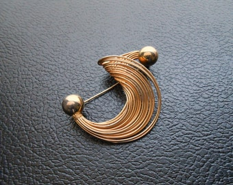 50% OFF - 80s vintage pin - gold swirl pin brooch - 80s Tidal Wave pin