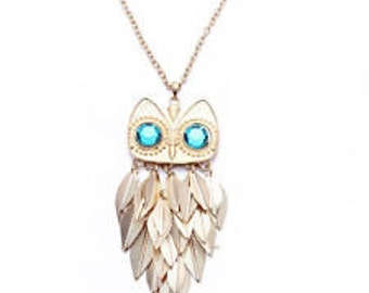 Gold owl Sweater necklace