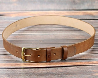 Light brown leather belt personalized Groomsmen gift Full grain leather belt Anniversary gifts for husband Engraved leather belt for men