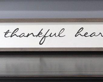 A Thankful Heart Handmade Painted Free Flowing Script Framed Wooden Sign Wall Art Home Décor Rustic Modern Farmhouse Over Above Door Narrow