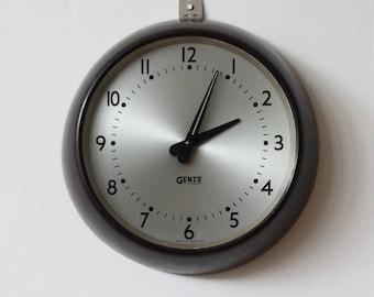 Vintage 1950s Bakelite Gents of Leicester Wall Clock