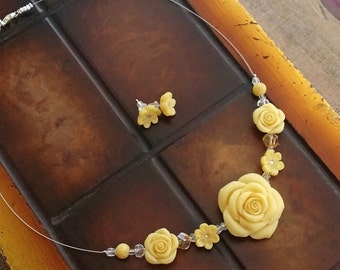 Pearl Yellow Flower Necklace And Stud Earrings - Bridal Jewelry - Wedding Jewelry Set From Polymer Clay - Rose Jewelry - Bridesmaids Gift