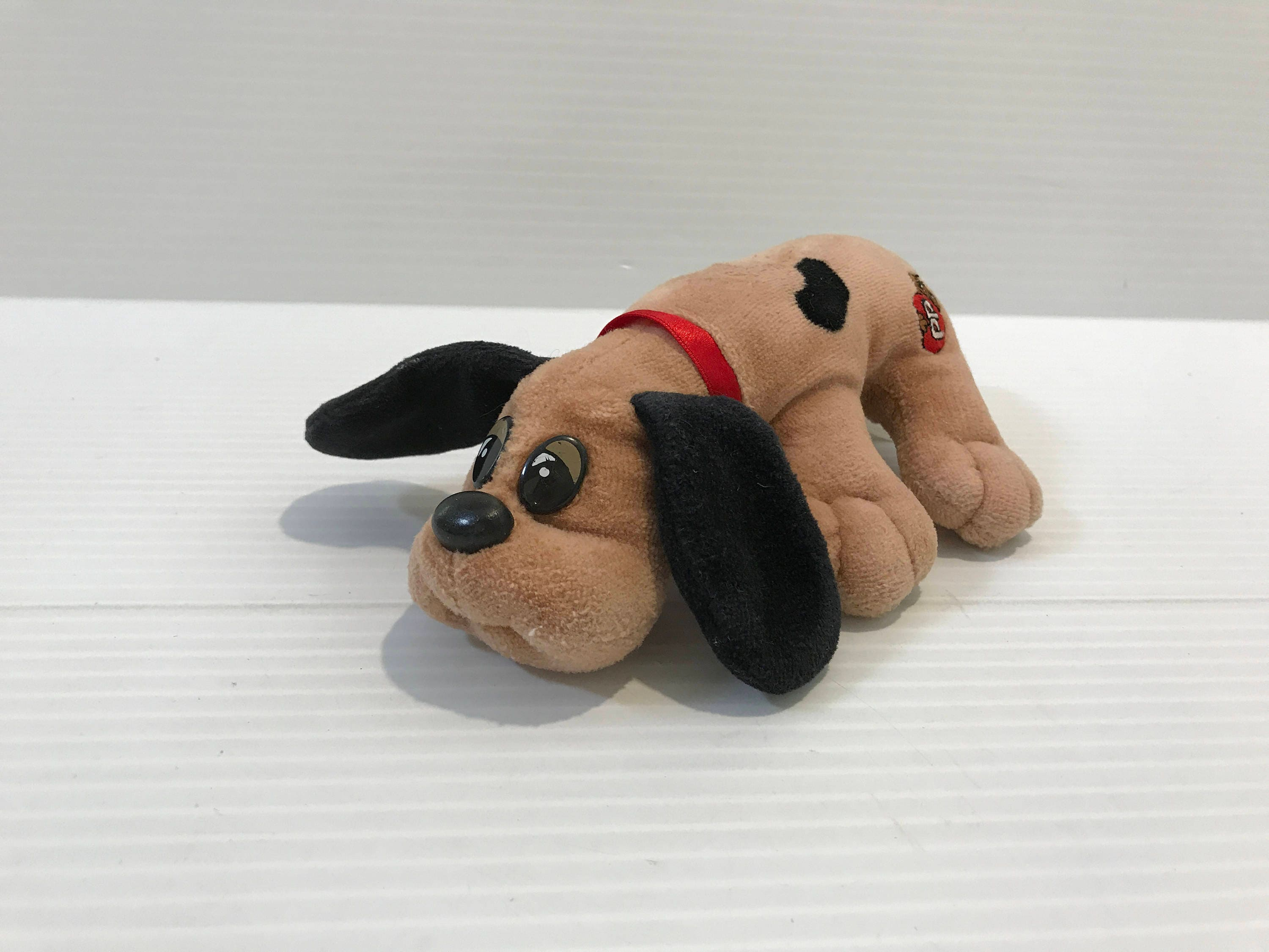 POUND PUPPY stuffed animal Vintage Stuffed Plush Brown with