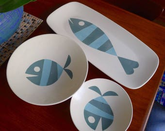 Hard to Find Mid Century Modern Set of Tropicana Fish platters designed by Helen McIntosh for Metlox Pottery