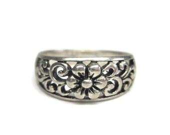 Vintage Sterling Filigree Flower Ring Size 7
