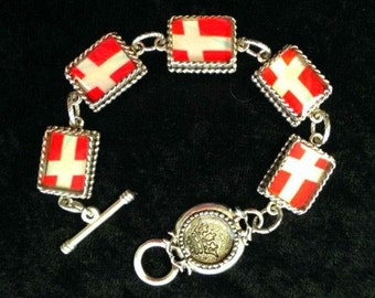 Dannebrog - Danish Flag Resin Charm Bracelet